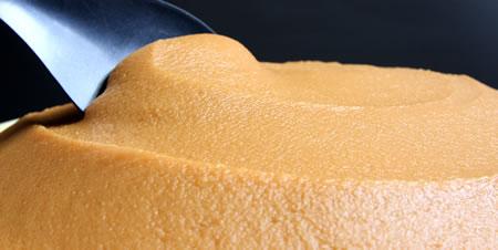 長期1年熟成の天然醸造味噌、2倍麹で甘口