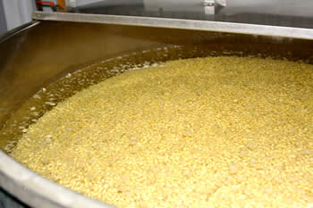 大豆浸漬、白味噌(西京味噌)の作り方、手順