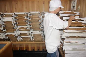 米麹の仕舞手入れ、白味噌(西京味噌)の作り方、手順